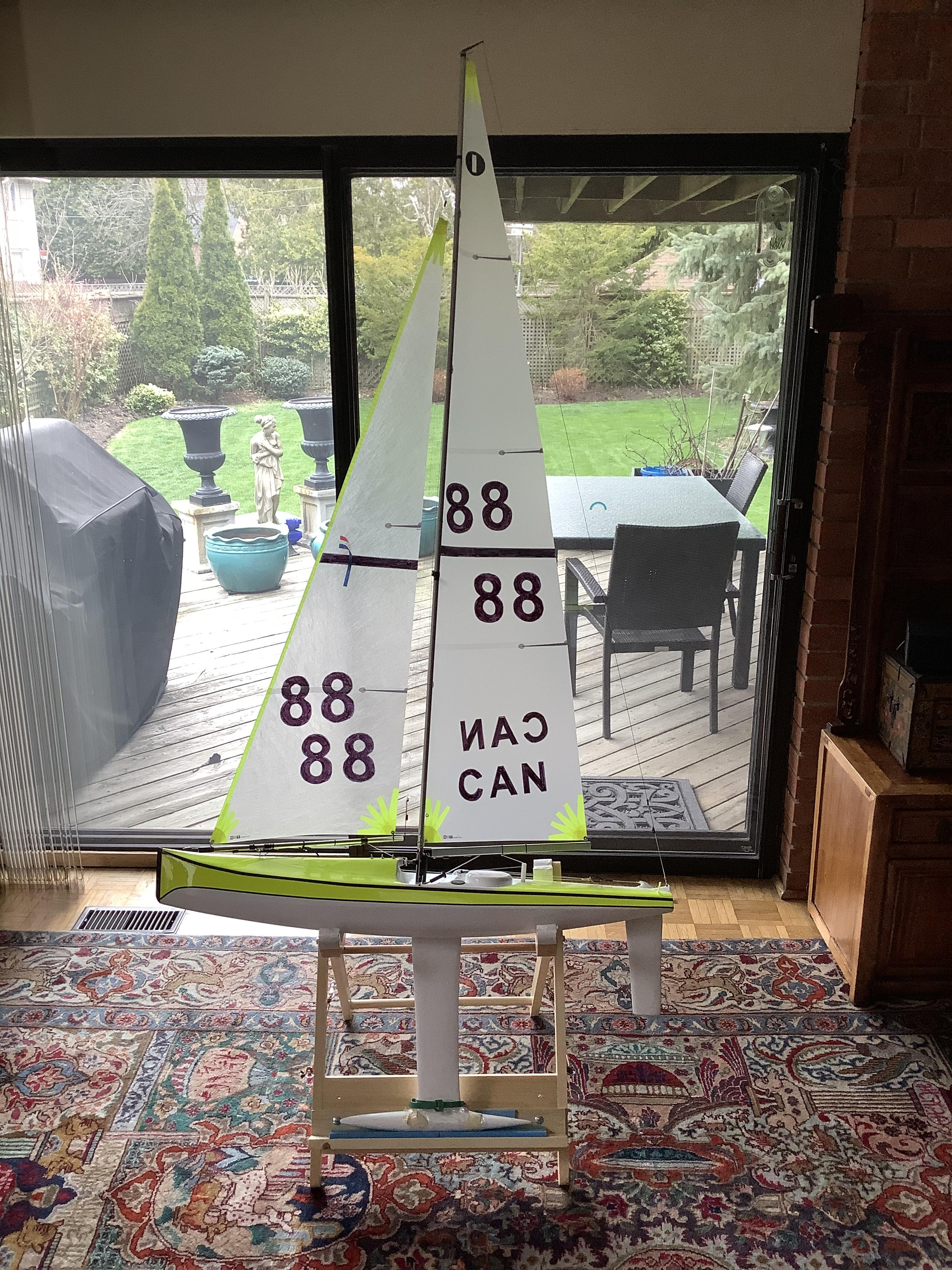 Victor's new IOM Manta Extreme with HotRC sails